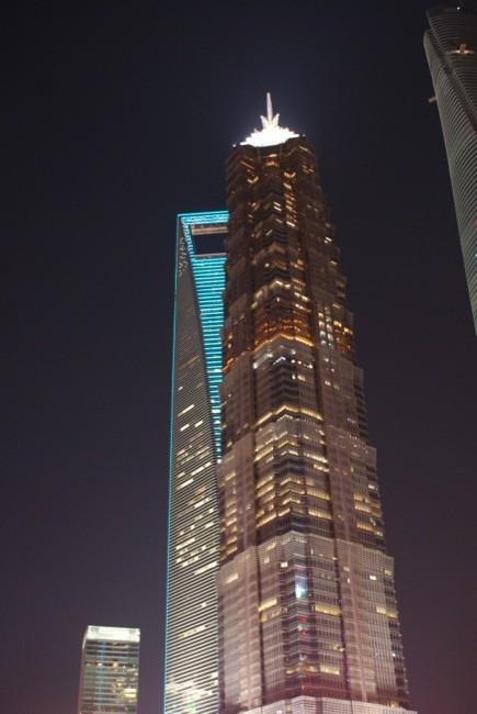 Shanghai Tower und Flaschenöffner